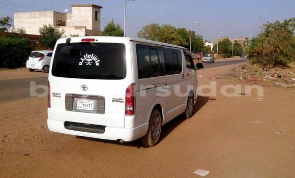 Buy Used Toyota Hiace White Car in Omdourman in Khartoum