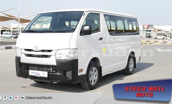 Medium with watermark toyota hiace al jazirah state import dubai 1615