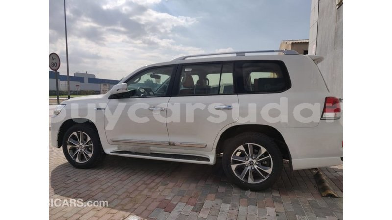 Big with watermark toyota land cruiser al jazirah state import dubai 1808