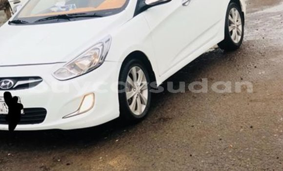 Buy Used Hyundai Accent White Car in Khartoum in Khartoum