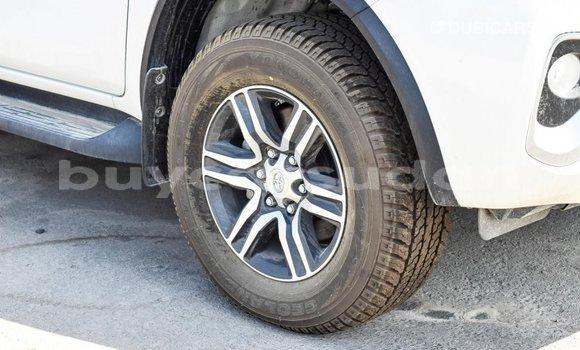 Buy Import Toyota Fortuner White Car in Import - Dubai in Al Jazirah State