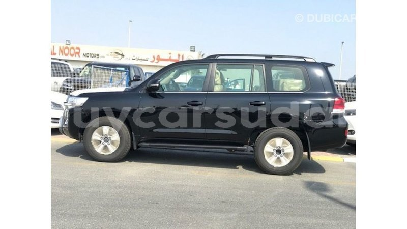 Big with watermark toyota land cruiser al jazirah state import dubai 3630