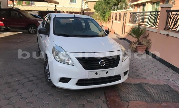 Buy Used Nissan Sunny White Car in al–Khartum in al-Khartum