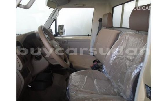 Buy Import Toyota Land Cruiser White Car in Import - Dubai in Al Jazirah State