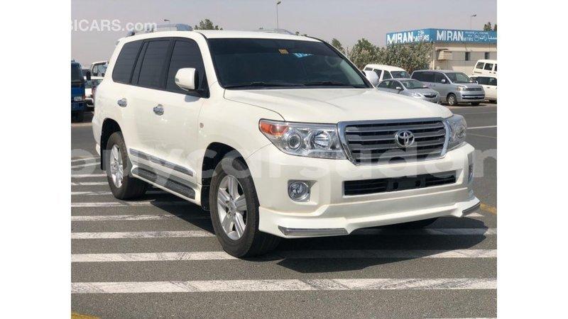 Big with watermark toyota land cruiser al jazirah state import dubai 3945