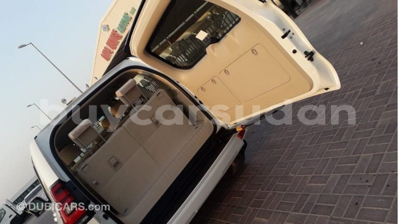 Big with watermark toyota prado al jazirah state import dubai 3959