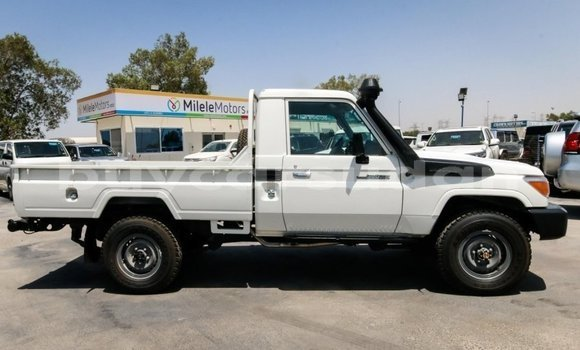 Buy New Toyota Land Cruiser White Car in Khartoum in Khartoum