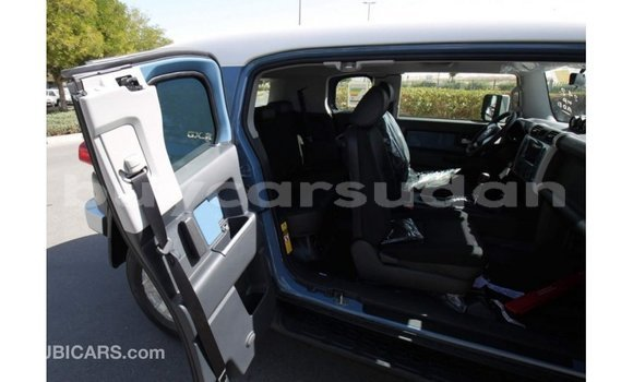 Buy Import Toyota FJ Cruiser Blue Car in Import - Dubai in Al Jazirah State