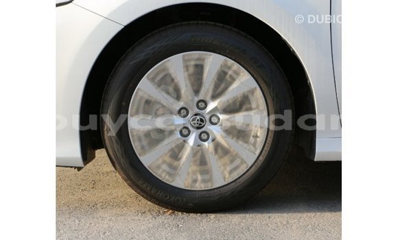 Buy Import Toyota Camry White Car in Import - Dubai in Al Jazirah State