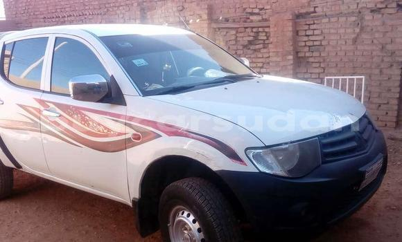 Buy Used Mitsubishi L200 White Car in Khartoum in Khartoum
